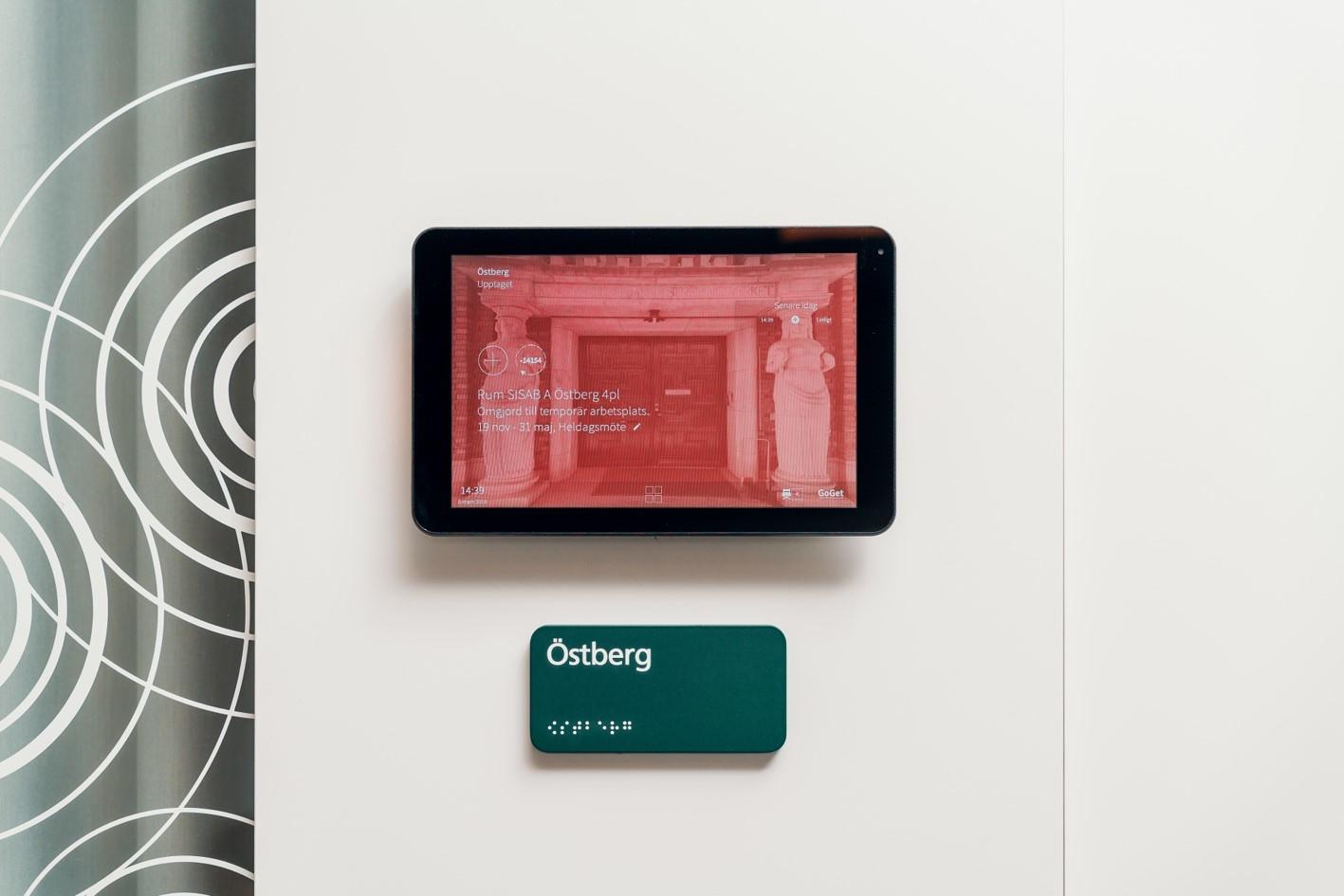 """SISAB. Konferensrum, bokningsskärm (10.1"""") från Philips med mjukvara från GoGet."""